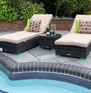 Tampa Wheeled Pool Lounger Set in Black/Brown Weave mix